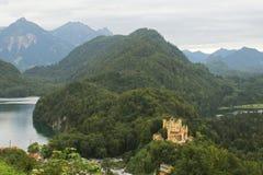 Castello e lago Fotografie Stock