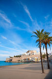 Castello e spiaggia di Peniscola in Castellon Spagna Immagini Stock Libere da Diritti
