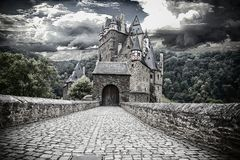 Castello Eltz nel momento mistico fotografia stock libera da diritti