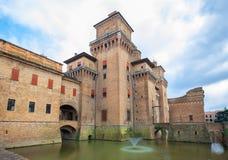 Castello Estense - medeltida slott i mitten av Ferrara, Ita Arkivfoton