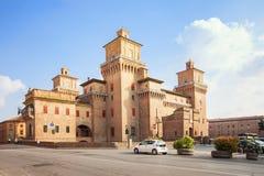 Castello Estense - medeltida slott i mitten av Ferrara, Ita Royaltyfria Bilder