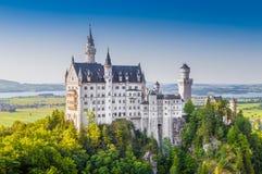 Castello famoso al tramonto, Baviera, Germania del Neuschwanstein Fotografia Stock