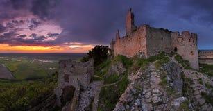 Castello frequentato fotografia stock libera da diritti