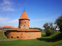 Castello gotico di Kaunas di stile, Lituania fotografie stock