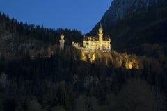 Castello il Neuschwanstein nelle alpi bavaresi, Germania Fotografia Stock