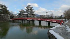 Castello nell'inverno, Nagano, Giappone di Matsumoto stock footage