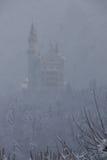 Castello nella nebbia Fotografia Stock Libera da Diritti
