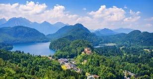 Castello nelle montagne delle alpi, Baviera, Germania di Hohenschwangau Fotografia Stock
