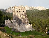 Castello o castillo Buchenstein, montañas del europeo de Italien Imagenes de archivo