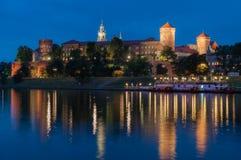 Castello reale di Wawel a Cracovia verso la fine della sera, Polonia Immagini Stock