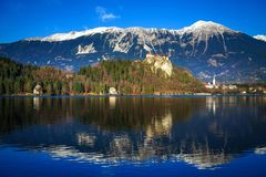 Castello sanguinato e lago, sanguinati, Slovenia, Europa immagini stock