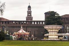 Castello Sforzesco en carrousels Royalty-vrije Stock Fotografie