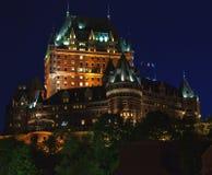 Castello sulla collina a Quebec City alla notte Fotografia Stock