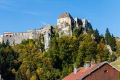 Castello sulla collina rocciosa Immagini Stock Libere da Diritti