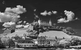 Castello sulla parte superiore Fotografia Stock Libera da Diritti