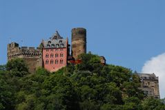 Castello superbo lungo la valle del Reno in Germania Immagine Stock