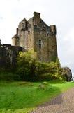 Castello torreggiante di Eilean Donan Immagine Stock