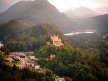 Castello vago di Hohenschwangau vicino a Fussen, Germania, dal dist Immagine Stock