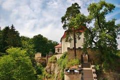 Castello Valdstein nella regione della Boemia di paradiso Fotografie Stock
