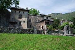 Castello Visconteo em Locarno, peça de Ruines fotos de stock