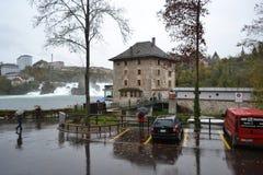 Castello Wörth vicino alle cascate del Reno Fotografia Stock Libera da Diritti