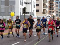 Castellon, Espanha 24 de fevereiro de 2019 corredores durante uma raça de maratona imagens de stock