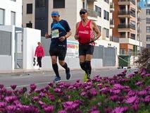 Castellon, Hiszpania Luty 24th, 2019 biegacze podczas maraton rasy zdjęcia stock