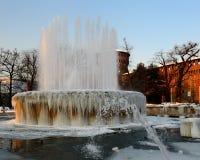castellospringbrunnen iced den italy milan sfozescoen Arkivbilder