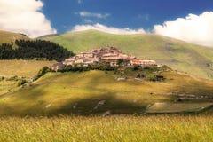 Castelluccio di Norcia (Perugia, Umbria, Italien) - landskap i t Arkivbild