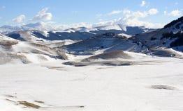 Castelluccio mit Schnee stockbilder