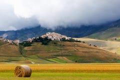 Castelluccio - Umbrien, Italien Landschaft im Monti Sibillini P Stockbilder
