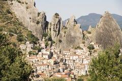 Castelmezzano-Felsen lizenzfreie stockbilder