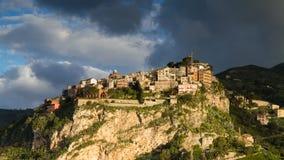 Castelmola小山顶村庄  免版税库存照片