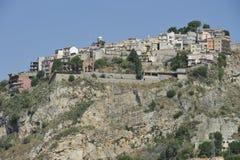 Castelmola, aldea encima de una roca Fotografía de archivo