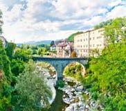 Castelnovo Garfagnana著名村庄在托斯卡纳,意大利 免版税库存图片