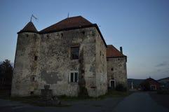 Castelo 'Saint-Miklosh 'do castelo de Chynadiyevsky 14-19 séculos Localizado na vila de Chynadievo, região de Zakarpattya, Ucrâni imagem de stock royalty free