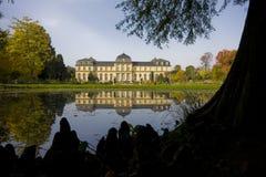 Castelo alemão no lago foto de stock royalty free