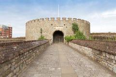 Castelo antigo do negócio em um seacost em Kent England Reino Unido foto de stock royalty free