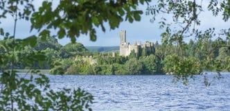 Castelo chave do Lough, Roscommon, Irlanda foto de stock