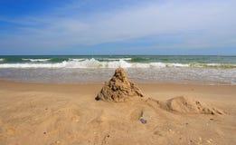 Castelo da areia na praia Imagem de Stock Royalty Free