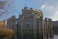 Castelo das contagens no inverno, Ghent fotos de stock