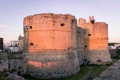 Castelo de Aragonese em Otranto, Itália imagem de stock