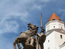 Castelo de Bratislava - com uma estátua de Svätopluk Imagens de Stock