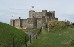Castelo de Dôvar - fortaleza histórica - acima do canal inglês fotos de stock royalty free