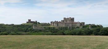 Castelo de Dôvar - fortaleza histórica - acima do canal inglês fotografia de stock royalty free