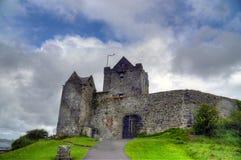 Castelo de Dunguaire em Ireland fotos de stock royalty free