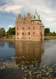 Castelo de Egeskov em Dinamarca Fotos de Stock Royalty Free