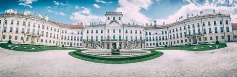 Castelo de Esterhazy em Fertod, Hungria, filtro análogo imagem de stock royalty free