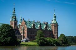 Castelo de Frederiksborg em Dinamarca fotos de stock royalty free