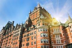 Castelo de Frontenac em Cidade de Quebec velha no domingo Fotos de Stock Royalty Free